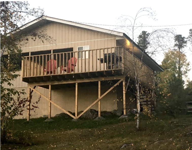 Ontario 8 person fishing and hunting cabin