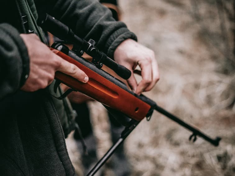 Hunting with rifle in Ontario